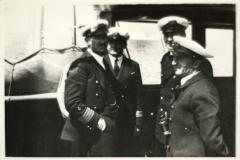 Szaman Morski oraz oficerowie